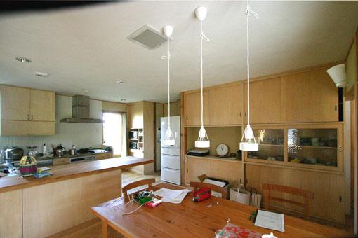 Q1札幌郊外の家10:キッチン・食堂_e0054299_1317548.jpg