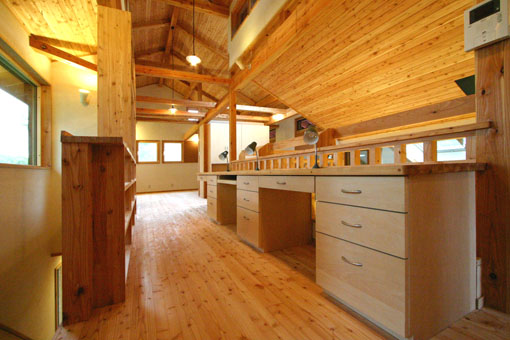 Q1札幌郊外の家11:2階家族室_e0054299_103459100.jpg