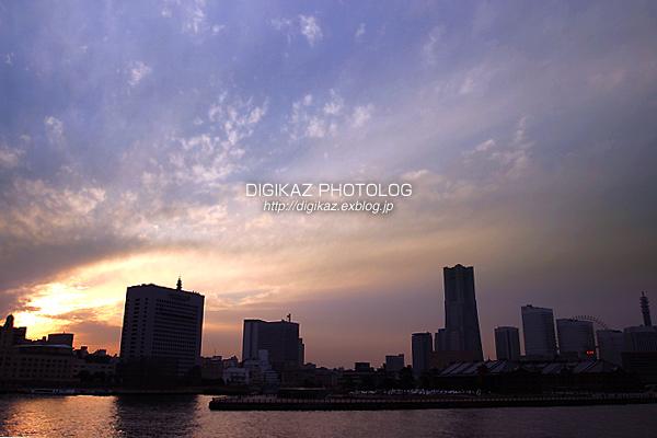 横浜みなとみらいの夕景_f0073776_22454570.jpg