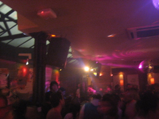 UK clubs_b0046388_2192937.jpg