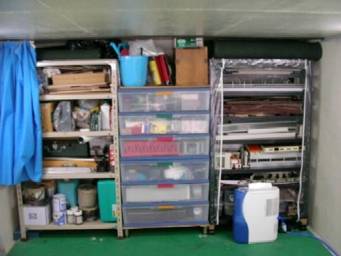 収納棚の改善_a0066027_2029971.jpg