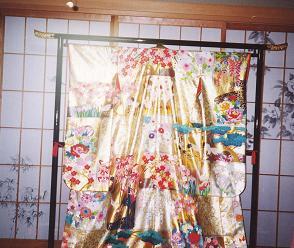 加賀の結婚・その2(花嫁の朝は早い)_d0066127_2232747.jpg