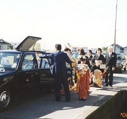 加賀の結婚・その3(花嫁がゆく)_d0066127_1735013.jpg