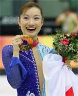 メダルと関わらず、いつも思うのですが、女子スケート選手の笑顔ってどうしてこんなに素敵なんでしょう・・・