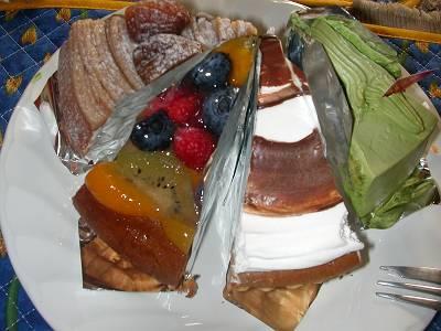 ケーキも好きです。_d0065324_073980.jpg