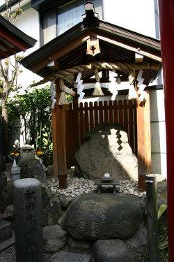<第33番 御霊神社>_a0045381_2146151.jpg
