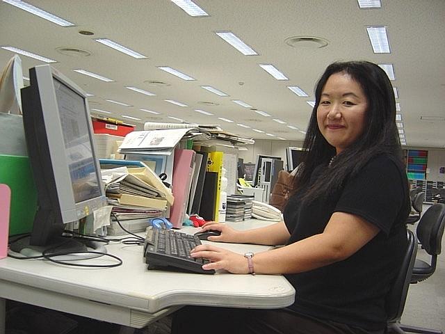 日本の英字新聞 読ませるための新聞デザインの工夫(2)_c0016826_356581.jpg