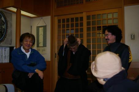 北鎌倉散策&坐禅体験 :「おとな愉快団!」オフ会2・25 ③_c0014967_1495399.jpg