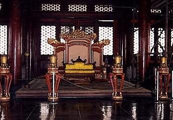 故宮/太和殿の玉座_c0011649_1228838.jpg