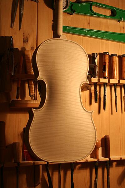 ホワイトヴァイオリン_d0047461_1646313.jpg