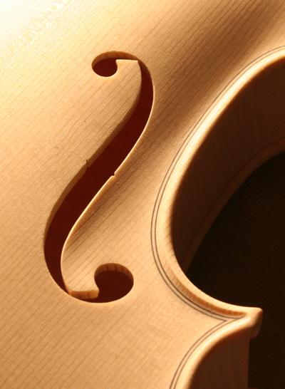 ホワイトヴァイオリン_d0047461_16464519.jpg