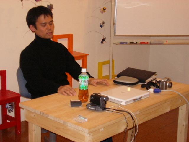 3月10日(金)昼「那覇:前島アートセンターの5年」>宮城潤さん_f0022268_7344741.jpg