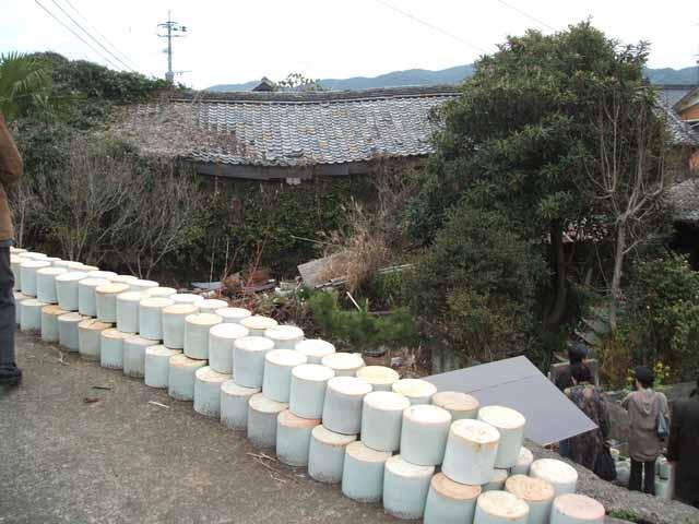 タン壷と灰皿 2006/3/13_c0052876_16455888.jpg