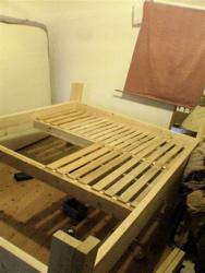 ベッドを作ってみたけど。_d0028589_19124546.jpg