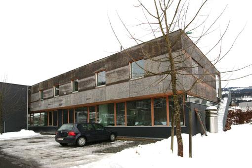 オーストリア木造建築研修02:建築家カフマンの事務所の外観_e0054299_18383955.jpg