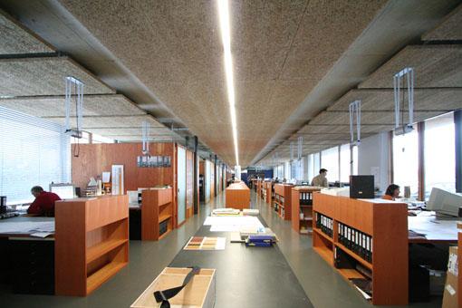 オーストリア木造建築研修03:建築家カフマンの事務所の室内_e0054299_1644785.jpg