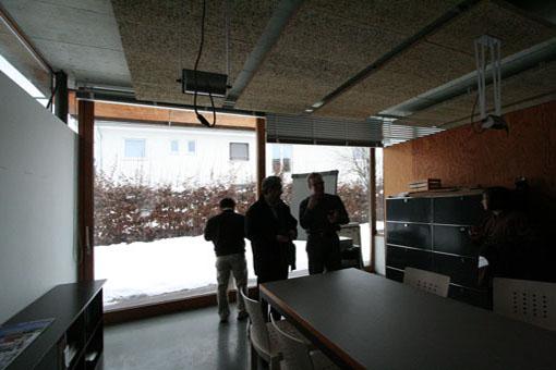オーストリア木造建築研修03:建築家カフマンの事務所の室内_e0054299_1661850.jpg
