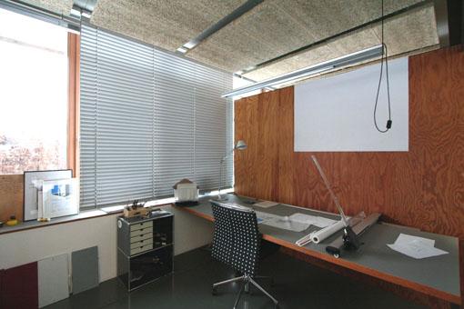オーストリア木造建築研修03:建築家カフマンの事務所の室内_e0054299_166657.jpg