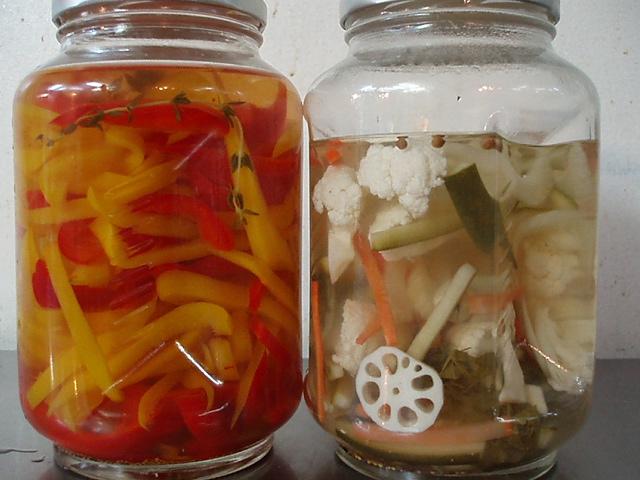 いろいろ野菜のヴィネガー漬け_f0039117_23391026.jpg