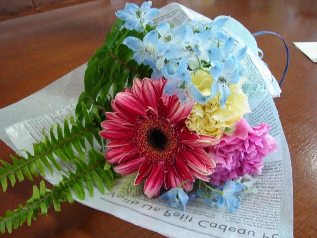 たくさんの花に囲まれて_a0025572_22561581.jpg