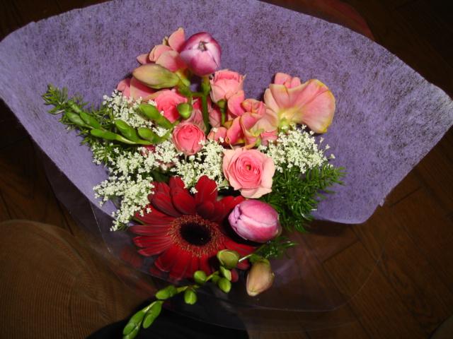 たくさんの花に囲まれて_a0025572_22572770.jpg