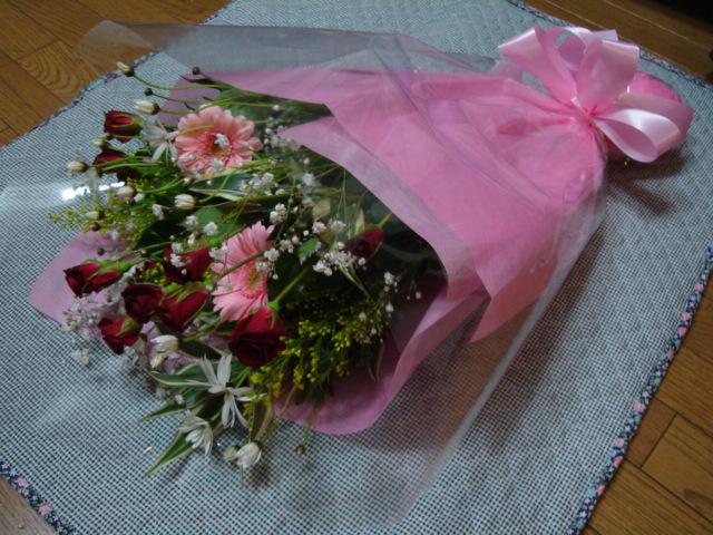 たくさんの花に囲まれて_a0025572_22581561.jpg