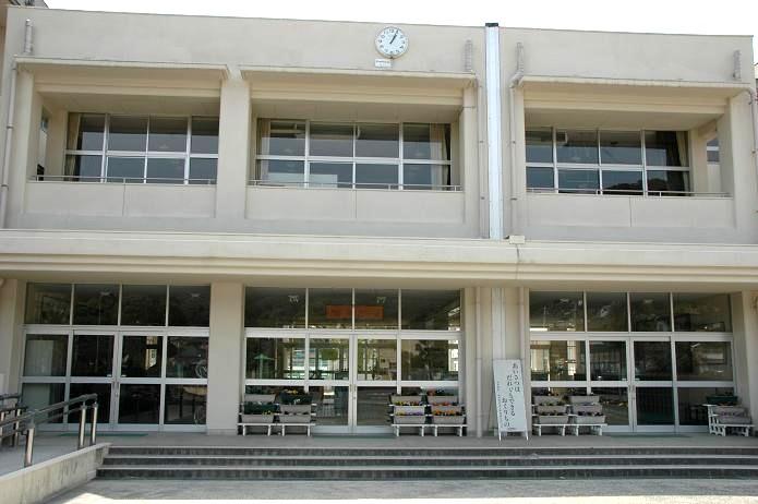 国分小学校_a0042310_202351.jpg