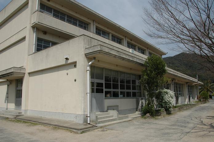 国分小学校_a0042310_20252665.jpg