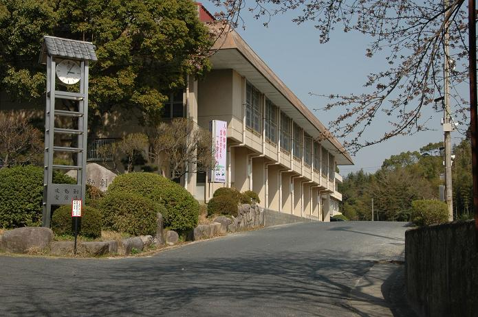 太宰府中学校_a0042310_8223482.jpg