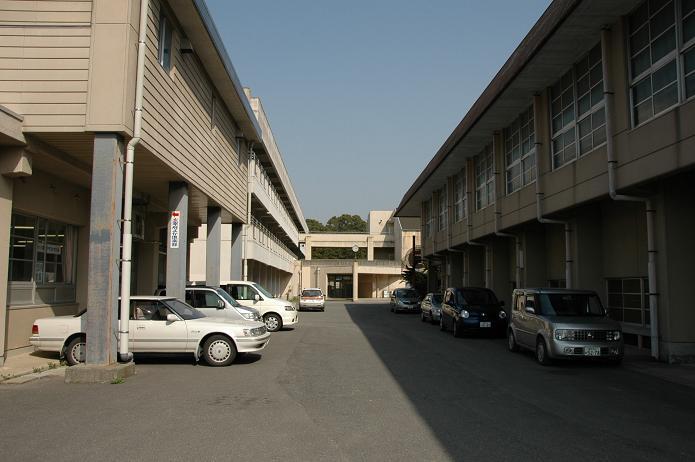 太宰府中学校_a0042310_8242911.jpg