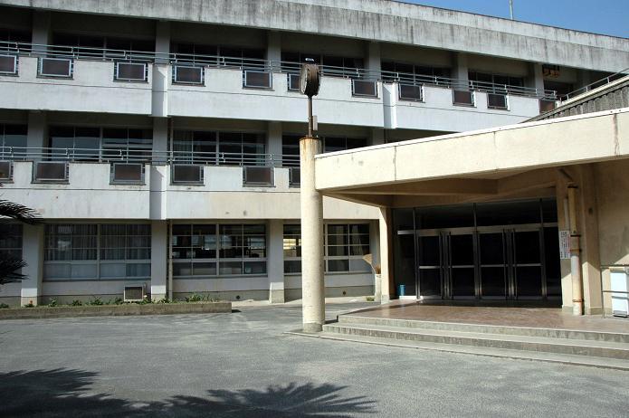 太宰府中学校_a0042310_8262989.jpg