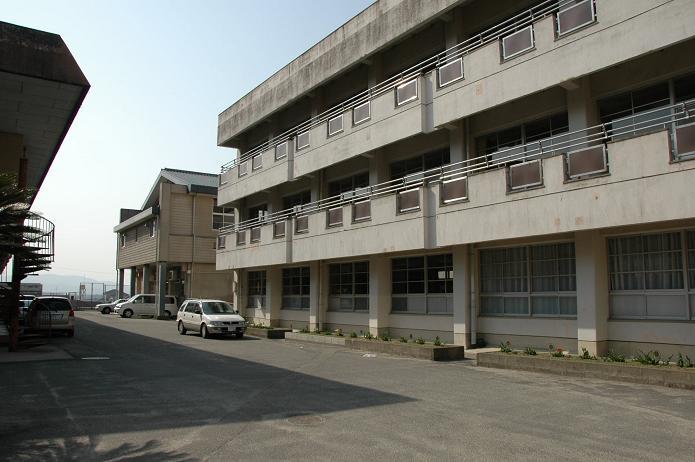 太宰府中学校_a0042310_8264316.jpg