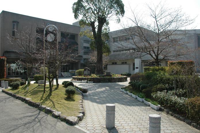 太宰府東中学校_a0042310_8364233.jpg
