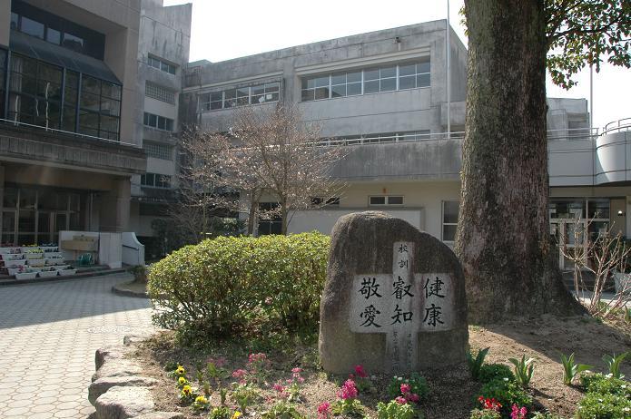 太宰府東中学校_a0042310_8365557.jpg