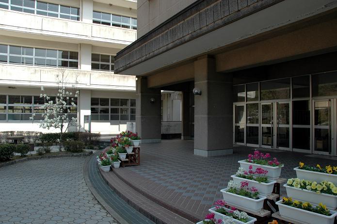 太宰府東中学校_a0042310_8373021.jpg