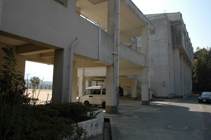 太宰府東中学校_a0042310_8381621.jpg