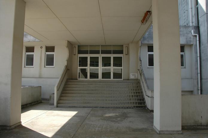太宰府東中学校_a0042310_838327.jpg