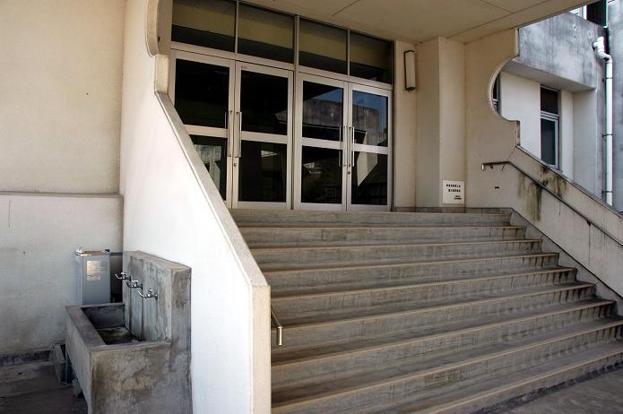 太宰府東中学校_a0042310_8395219.jpg