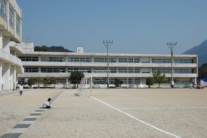 太宰府東中学校_a0042310_8401613.jpg