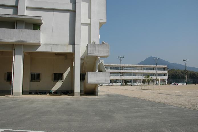 太宰府東中学校_a0042310_840357.jpg