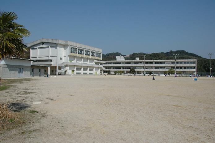 太宰府東中学校_a0042310_8405745.jpg