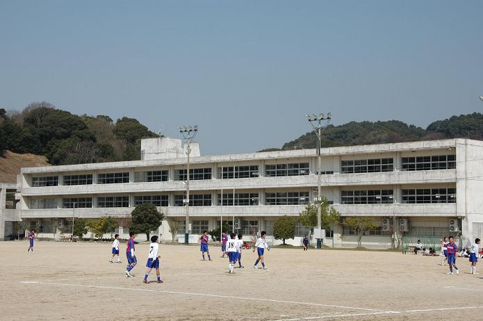 太宰府東中学校_a0042310_8432574.jpg