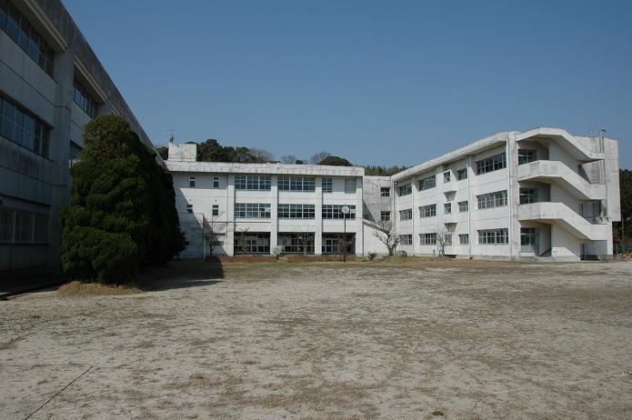 太宰府東中学校_a0042310_8441023.jpg