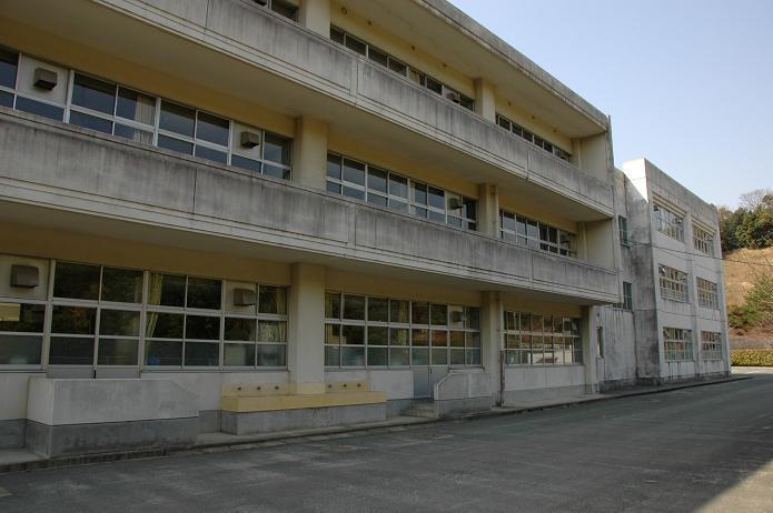 太宰府東中学校_a0042310_845254.jpg