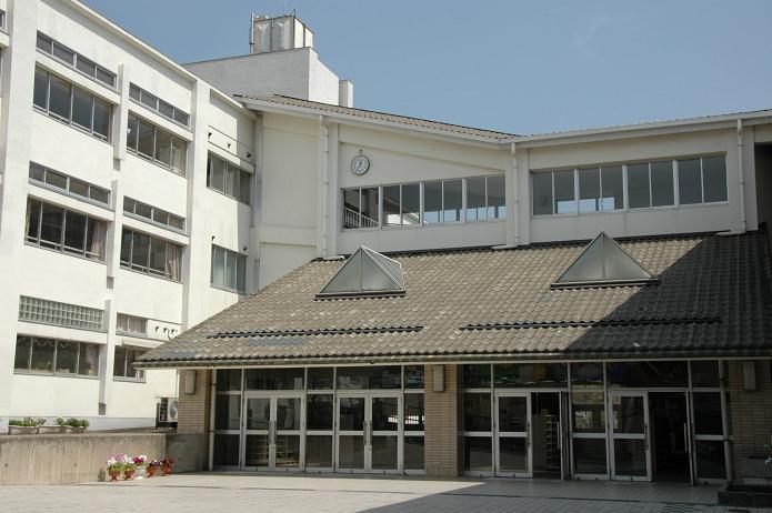 学業院中学校 (太宰府市)_a0042310_8505466.jpg