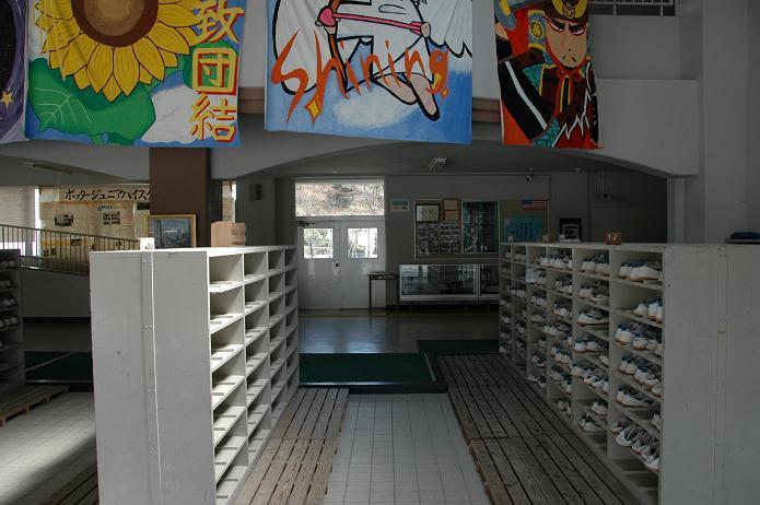 学業院中学校 (太宰府市)_a0042310_8511238.jpg