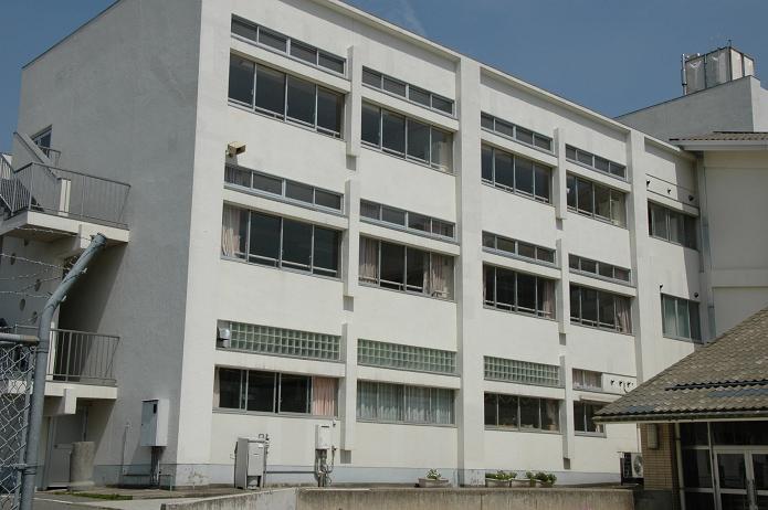 学業院中学校 (太宰府市)_a0042310_851350.jpg