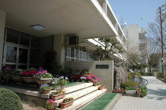 学業院中学校 (太宰府市)_a0042310_8515397.jpg