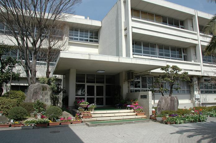 学業院中学校 (太宰府市)_a0042310_852382.jpg