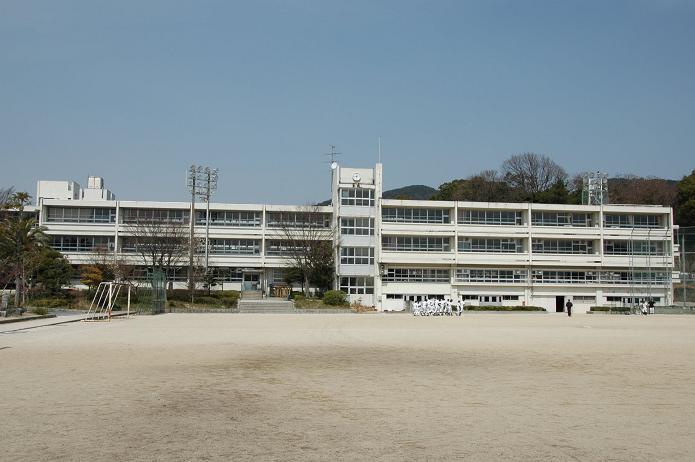 学業院中学校 (太宰府市)_a0042310_8534071.jpg